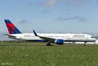 Delta Airlines 757-200 N536US