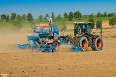 Corn Planting | LEMKEN Azurit 9 'Delta Row' Precision Planter (martin_king.photo) Tags: springwork springwork2018 claas claasxerion xerion cornplanting corn planting planter blue lemken yellow strong huge big machine sky martin king photo agriculture machinery machines tschechische republik powerfull power dynastyphotography lukaskralphotocz agricultural great day czechrepublic fans work place tschechischerepublik martinkingphoto welovefarming working modern landwirtschaft green colorful colors photogoraphy photographer canon tractor love farming daily tires onwheels outdoor dust trees tree landscape new bluesky hill world lines farm sunny red soil