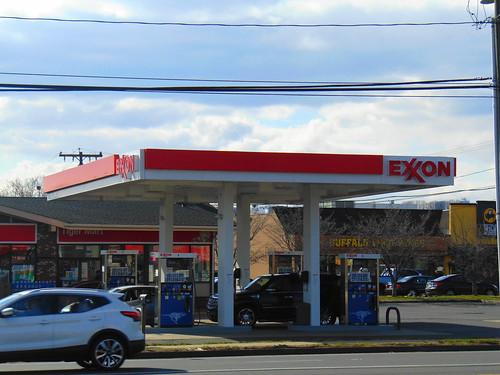 Exxon (Southington, Connecticut)