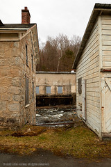 2018-04-29 16-14-01 (_MG_3331) (mikeconley) Tags: newyork eriecanal abandoned water river creek milton kayaderosseras usa