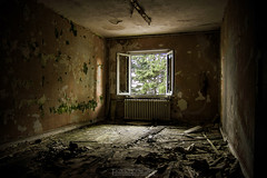 Zimmer mit Ausblick / Room with a view (Emanuel D. Photography) Tags: abandoned spooky dirty horror dark old damaged ruined broken rundown indoors unhygienic messy absence destruction rotting obsolete deterioration