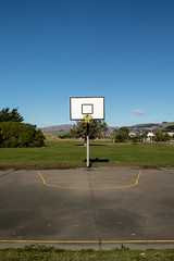 20180521_0585_7D2-24 Half a court (johnstewartnz) Tags: tekararokarororeserve canon canonapsc apsc eos 7d2 7d 7dmarkii canon7dmarkii canoneos7dmkii canoneos7dmarkii 2470 2470mm ef2470mmf4l sunnyday basketballcourt outdoorcourt bluesky seagullschatter