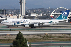 ZK-NBT (dbind747438) Tags: air new zealand boeing 747400 zknbt los angeles airport