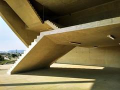 Escadas (Márcio Vinícius Pinheiro) Tags: riodejaneiro rj arquitetura architecture engenharia egenhariacivil engeneering concreto concretoaparente concretefacade concrete vãolivre clearance cidadedasartes escada stairs