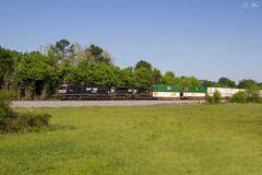 NS 223 at Prospect Rd (travisnewman100) Tags: norfolk southern ns train railroad rr freight intermodal container 223 atlanta north district georgia division aragon prospect rd emd sd60m sd70m2