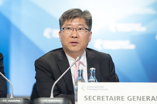 Young Tae Kim addresses the Closed Ministerial session