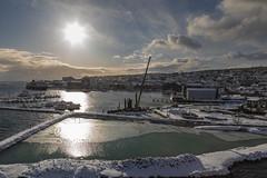 Tarde en Tromsø (José M. Arboleda) Tags: atardecer tarde mar agua barco bote sol cielo carretera calle ciudad puerto tromsø noruega eos markiv josémarboledac ef24105mmf4lisusm canon 5d