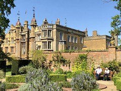 Knebworth House and Herb Garden  HBM (Eleanor (No multiple invites please)) Tags: knebworthhouse herbgarden bench people wall plants knebworth herts may2018