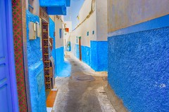 blue with a little red (maios) Tags: bluewithalittlered blue alittle red rabatmedina morocco rabat medina nikond7100 nikon d7100 maios africa color bluecity city