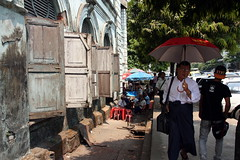 Yangon (mbphillips) Tags: မြန်မာ ရန်ကုန် fareast southeastasia ミャンマー 미얀마 缅甸 緬甸 asia アジア 아시아 亚洲 亞洲 myanmar burma မြန်မာနိုင်ငံက mbphillips sigma18200mmf3563 canon450d geotagged photojournalism photojournalist 양곤 rangoon yangon 仰光 people gente 人 사람들