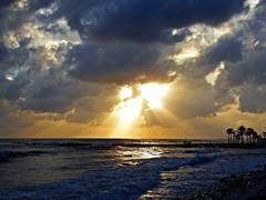 Nubes del atardecer (Antonio Chacon) Tags: andalucia atardecer marbella málaga mar mediterráneo costadelsol cielo españa spain sunset sol