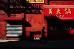 NYC 2018 (monoauge) Tags: fuji fujix70 fujifilm fujifilmx70 nyc usa x70 ny newyork newyorkcity manhattan street streetshot shadow shadows lightandshadow streetphotography light urban urbanphotography chinatown