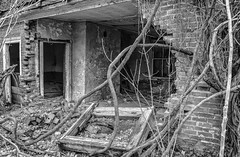 Come in... (RansomedNBlood) Tags: nikond5100 hansford wv westvirginia abandoned