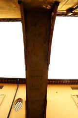 Under the bridge (Alfredo Liverani) Tags: flickrfriday flickr friday lowangle 1222018 project365122 project365050218 project36502mag18 oneaday photoaday pictureaday project365 project project2018 2018pad canong5x canon g5x pointandshoot point shoot ps flickrdigital digital camera cameras europa europe italia italy italien italie emiliaromagna romagna faenza faventia faience faenza2018