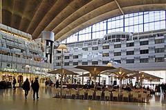 18 0532 - Paris-La Défense, le CNIT (Jean-Pierre Ossorio) Tags: paris ladéfense hotel arc arche restaurant restauration