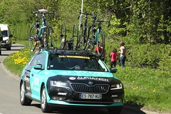 Vital Concept (Steve Dawson.) Tags: tourdeyorkshire mens cycle race bikes uci tdy teamcars stage3 richmondtoscarborough randgrange yorkshire england uk canoneos50d canon eos 50d ef28135mmf3556isusm ef28135mm f3556 is usm 5th may 2018
