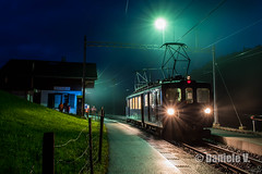 MOB / 3004 / Oeschseite (danielev.tk) Tags: mountains montagne chemindefer train mob 3000 3004 montreux zweisimmen night nuit oberland bernois bde44 bde