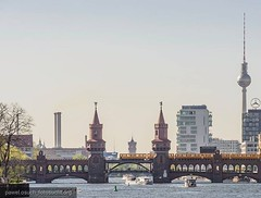 *HOPE YOU ALL ENJOYED THE WEELEND. I DID :)* Check out my new homepage with new pictures and great services: ~~~ www.fotosucht.org ~~~ #summer #sommer #summerinberlin #spree #oberbaumbrücke #oberbaum #metro #ubahn #bvg #fehrnsehturm #tvtower #rotesrathaus (pawel.osuch_photography) Tags: instagram