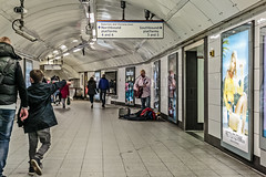 Northbound (PhredKH) Tags: canonphotography fredkh photosbyphredkh phredkh splendid london londonunderground cityoflondon londonpeople people peoplewatching busker musicians streetmusician 2470mm ef2470mmf4lisusm canoneos5dmarkiii fredknoxhooke