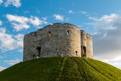 Clifford's Tower (Artomes) Tags: green sky tower york england hill blue sunset europe canon 70d clouds uk british britain landscape sundown vacation yellow white heritage history