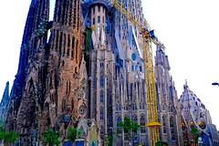 A La Sagrada Familia (Fnikos) Tags: art sculpture temple architecture modernism construction tower building basílica gaudí antonigaudí lasagradafamilia faith religion window sky sunset outdoor