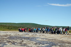 20170817-134302LC (Luc Coekaerts from Tessenderlo) Tags: geysir iceland isl suðurland haukadalur people geiser geyser splitdef171328geysir public tourist cc0 creativecommons 20170817134302lc coeluc vak201708iceland