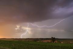 Soirée orageuse (Louis Hecker) Tags: orage thunderstorm éclair foudre lightning coucherdesoleil sunset printemps spring lauragais hautegaronne france