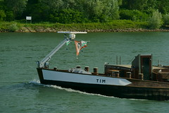 MS TIM (Lutz Blohm) Tags: mstim schüttgutfrachter rhein rheinschifffahrt binnenschifffahrt binnenschiffe gütermotorschiff fluskilometer402 sonyalpha7aiii fe70300goss