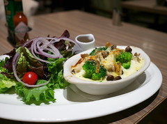 Gratin with Fresh Veggies (Long Sleeper) Tags: food cafe takakuramachicoffee 高倉町珈琲 gratin vegetable veggies mushroom mushrooms hachioji tokyo japan dmcgx1