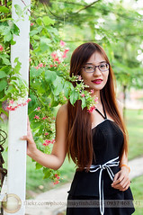 DSC_7339 (Hosting and Web Development) Tags: nikon body beautiful black bokeh face female femininity clothing casual column colonnade green garden woman waiting walking portrait person park pavement plant one outdoor young smile stand shoulder street arm asia afternoon hair happy hand vertical vietnam flower leaf eyes eye