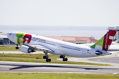 CS-TOM | TAP Air Portugal | Airbus A330-202 | CN 899 | Built 2008 | LIS/LPPT 04/05/2018 (Mick Planespotter) Tags: aircraft airport 2018 flight nik sharpenerpro3 cstom tap air portugal airbus a330202 899 2008 lis lppt 04052018 humberto delgado humbertodelgadoairport portela humbertodelgado