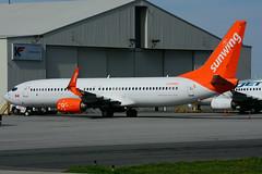 C-GOWG (Sunwing Airlines) (Steelhead 2010) Tags: sunwingairlines boeing b737 b737800 yhm creg cgowg
