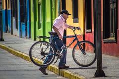 Pueblerino (Cruz-Monsalves) Tags: colores colors colours bici bicicleta bike bicycle grandfather granpa streets calles putaendo vregion region valparaiso valparaíso chile southamerica latinamerica latinoamerica urban urbano pueblo village persona