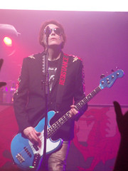 Nicky Wire - Manic Street Preachers, Manchester Arena 2018 (Dave_Johnson) Tags: manicstreetpreachers msp manics themanics jamesdeanbradfield jdb nickywire seanmoore waynemurray nicknasmyth group band welsh gig concert live music livemusic arena manchesterarena manchester bass bassguitar singer singing guitar guitarist