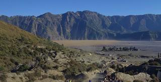 INDONESIA, Java, View back to the caldera (sandy sea) At the Tengger volcano massif (Bromo), 17452/10011
