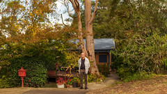 Eric (cropped 16:9 aspect) (Eddy Summers) Tags: brenizer brenizermethod takumar takumar135mm takumar135mmbayonet wideopen portrait portraitphotography pentaxk1 pentax pentaxaustralia landscape vibrant autumn colourful wide home