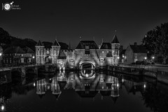 Koppelpoort B&W (Robert Stienstra Photography) Tags: koppelpoort amersfoort longexposure longexposurephotography architecture medieval medievalarchitecture cityscape cityscapes blackandwhite blackandwhitephotography monochrome monochromatic monochromephotography slowshutter reflecting reflections reflection nightscapes cityscapephotography touristattraction touristic travelling waterscapes waterfront outdoors