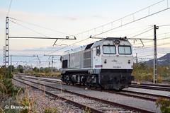 319-402 (ɢ. ʙᴇʀᴇɴɢᴜᴇʀ [ ō-]) Tags: 319 319402 caldero renfe mercancías pantone locomotive ffcc railway railroad
