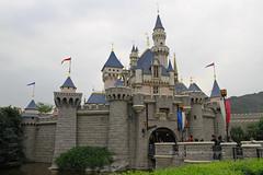 Hong Kong Disneyland, Lantau Island, Hong Kong (Daryl Chapman Photography) Tags: disneyland disneylandhongkong china sar canon 7d castle lantauisland 1770mm photography disney