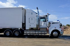 McEvoy (quarterdeck888) Tags: trucks photos truckphotos australiantrucks outbacktrucks workingtrucks primemover class8 overtheroad interstate frosty quarterdeck jerilderietrucks jerilderietruckphotos flickr bdoubles lorry bigrig highwaytrucks interstatetrucks nikon truck mcevoy mcevoytransport kenworth t904 refrigeratedtransport fte ftetrailers