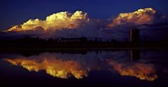 Atardecer en el Parque del Agua (portalealba) Tags: zaragoza zaragozaparque aragon españa spain portalealba pentax pentaxk50 agua reflejos nubes sunset sol atardecer ocaso 1001nights 1001nightsmagiccity 1001nightsmagicwindow nwn