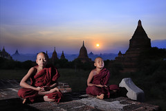 Inner Vision (Kenny Teo (zoompict)) Tags: myanmar pagan kenny canon zoompict