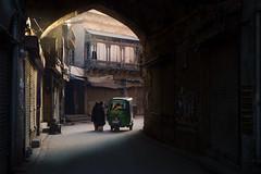 Dili Darwazay Ke Kahani (ZaIGHaM-IslaM) Tags: early forgetten lahore life oldcity pakistan peacefull simple travel earlyhours riksha dilidarwaza fortettenstories insidethewalledcity