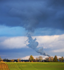 0046_link_between_earth_and_sky (Realmantis) Tags: scape lanscape sky smoke weather field