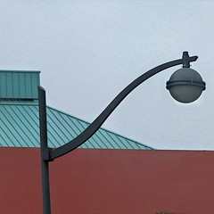 lights out (msdonnalee) Tags: architecture architektur architecturaldetail architecturalabstract urbanarchitecture minimalism minimalismo minimalisme lightpost