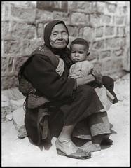 Grandma (ookami_dou) Tags: vintage china hongkong grandmother grandma granny child grandchild 祖母