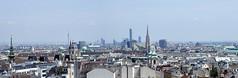 Zurück aus Wien Ick bin wieder in Berlin (Forstamt Pankow / Berliner Forsten) Tags: wien austria panorama stadt himmel wolkenleute menschen kutschen pferde häuser