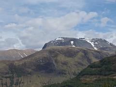 0386 Carn Dearg (Andy - Not too busy) Tags: bbb bennevis carndearg ccc mmm mountain nevisrange nnn ppp snowpockets sss holsday7