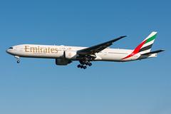 A6-EBZ - Emirates - Boeing 777-31H(ER) (5B-DUS) Tags: a6ebz emirates boeing 77731her 777300 b773 dus eddl dusseldorf düsseldorf international airport aircraft airplane aviation flughafen flugzeug planespotting plane spotting