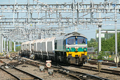 Under the wires. 59001 7B12 1135 Merehead Quarry - Wooton Bassett F.X. at Swindon 17.05.2018 (The Cwmbran Creature.) Tags: british rail class 59 dbs stone train trains railway railways freight